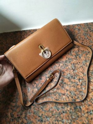 2018 Mulberry Amberley Clutch Oak Grain Leather