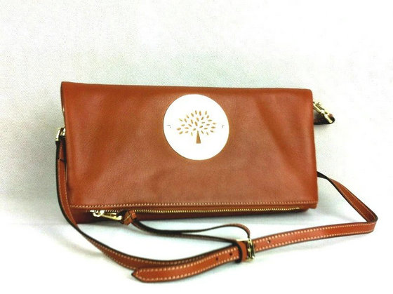 Classic Mulberry Daria Leather Clutch Oak with wrist & shoulder strap